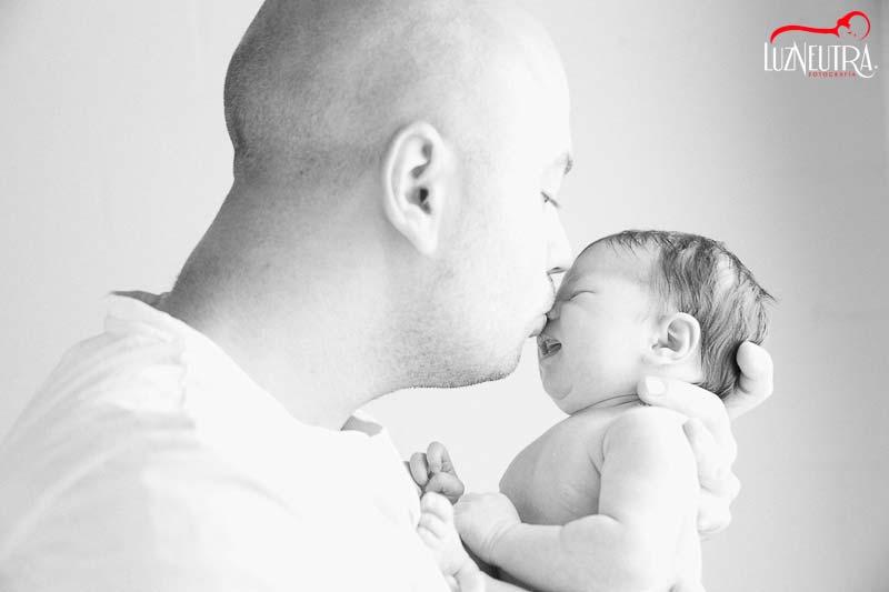 Reportaje de recién nacido en Sevilla Luz Neutra Fotografía