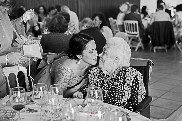 las abuelas de los novios, siempre presente