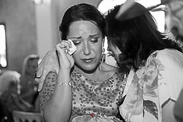 lágrimas de alegría en el banquete de la boda
