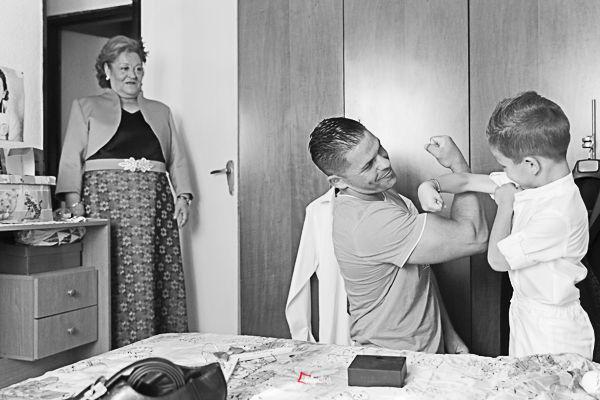los preparativos del novio con su hijo