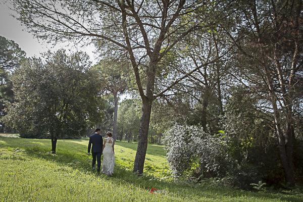 El paseo de los novios, postboda en Sevilla, paseo por el parque de Oromana
