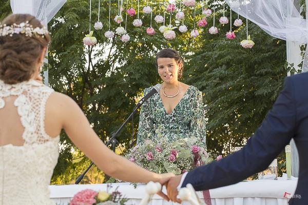 detalles de una ceremonia preciosa