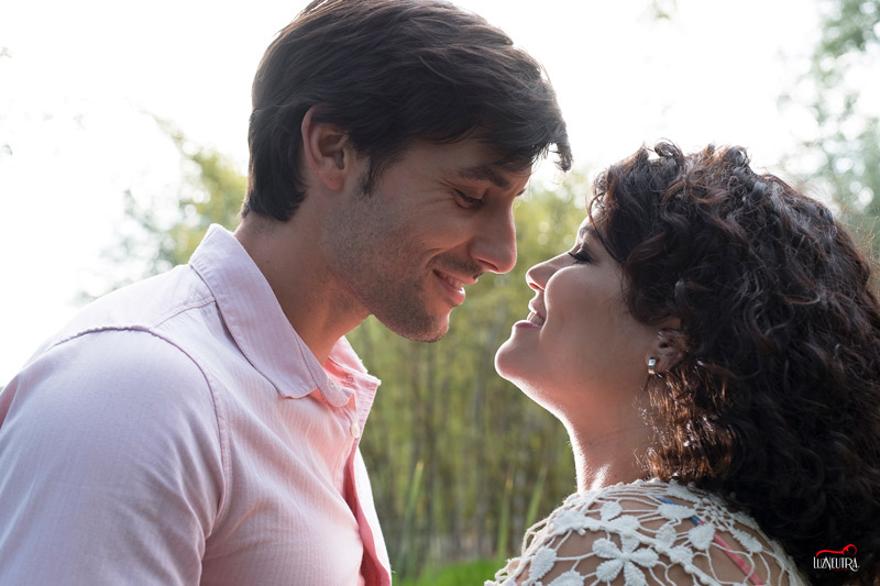 album de fotos de embarazada y recién nacido para regalar en Sevilla
