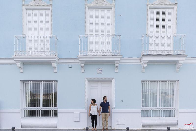 Fotos de Embarazada en la calle Betis de Triana, en Sevilla