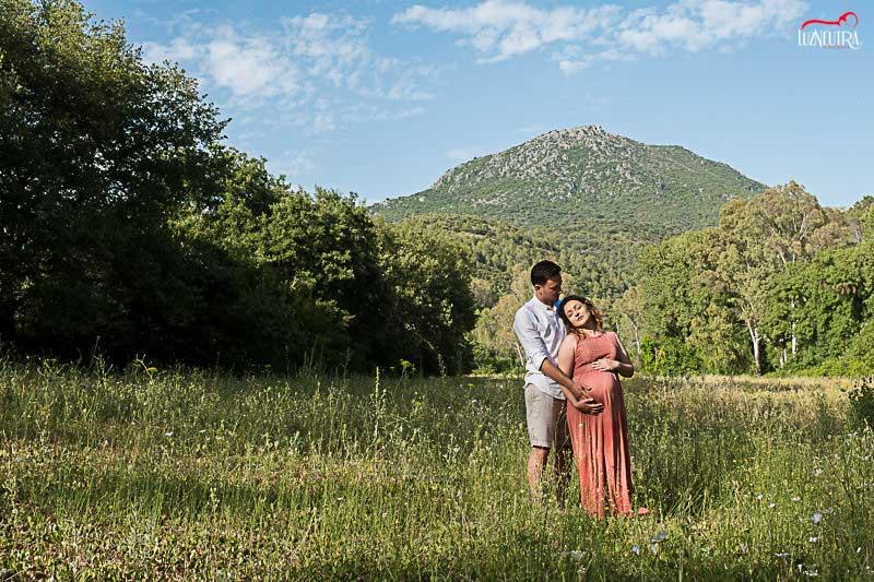 reportaje embarazada en en el campo Luz Neutra Fotografía