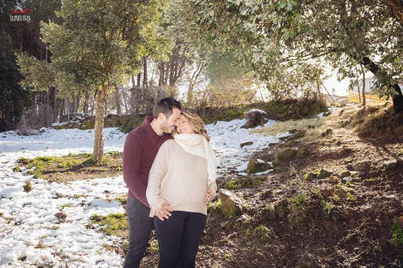 las fotos de pareja y embarazo más bonitas, en exteriores de Sevilla