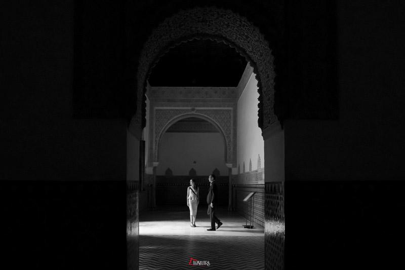 boda preciosa blanco y negro en Alcazar de Sevilla